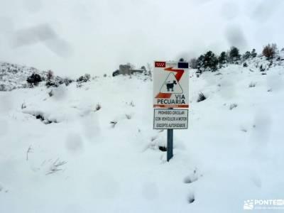 nieve, invierno, cañada; senderismo alpujarras iniciacion al senderismo mochila para mujer